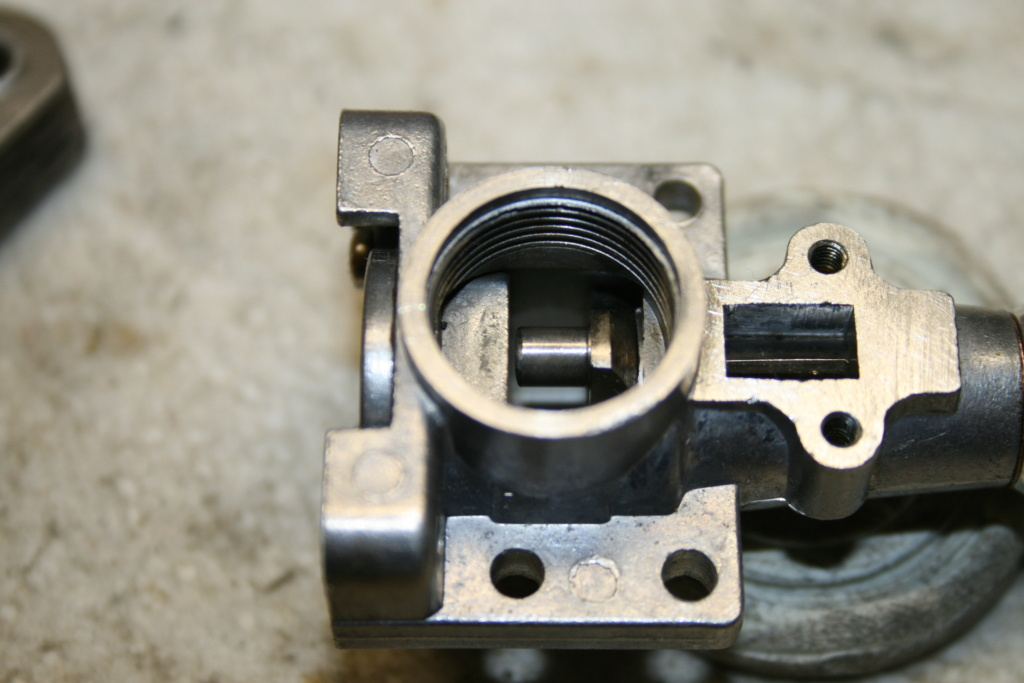 Enya 06 11 Stunter glow engine crank/prop nut help. 04_cor10