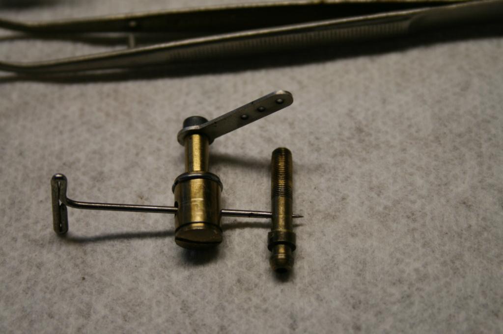 Enya 06 11 Stunter glow engine crank/prop nut help. E_pin_10