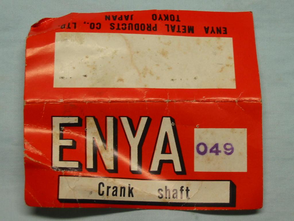 Small Enya engine 049 with a broken crank shaft? Enya_020
