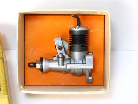 Picked up these engines from Etsy --- Rare Cox .10 engine? Enya_087