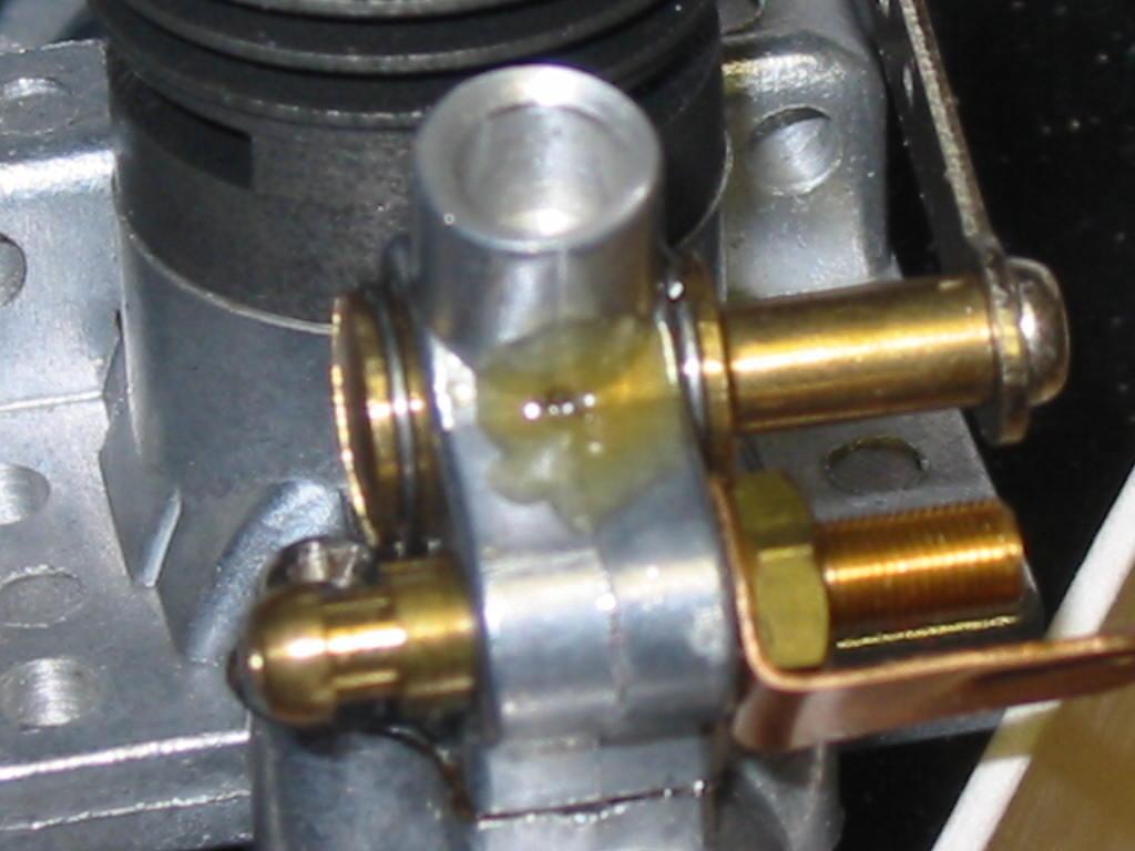 Enya .06D-II diesel engine air bleed hole plugged? Enya_b11