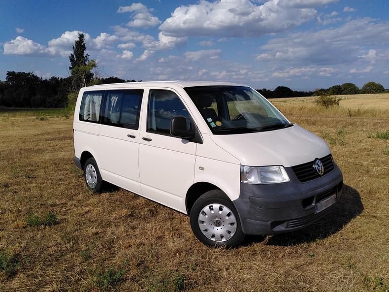 T5 type minibus (combi) avec aménagement amovible 1110