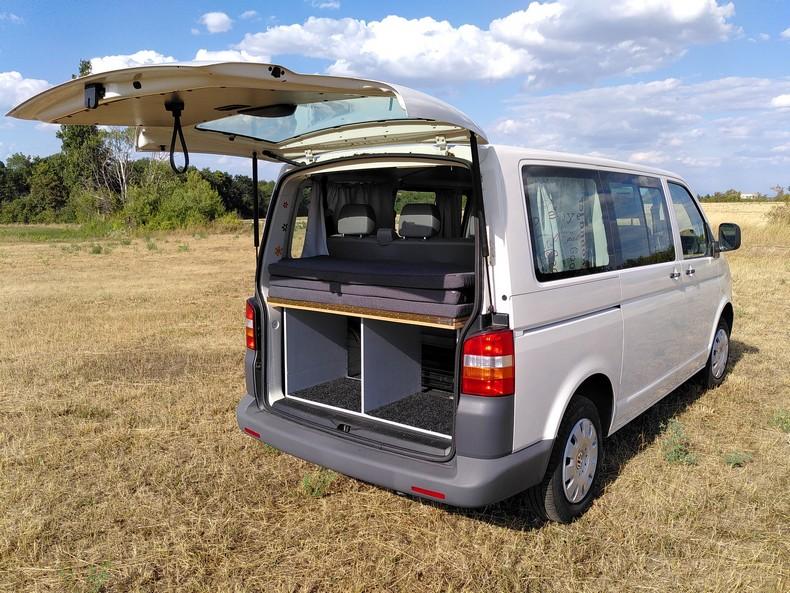 T5 type minibus (combi) avec aménagement amovible 3310