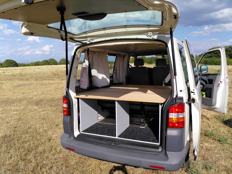 T5 type minibus (combi) avec aménagement amovible 6610