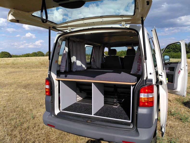 T5 type minibus (combi) avec aménagement amovible 7710