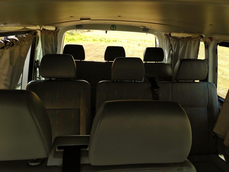 T5 type minibus (combi) avec aménagement amovible 9910