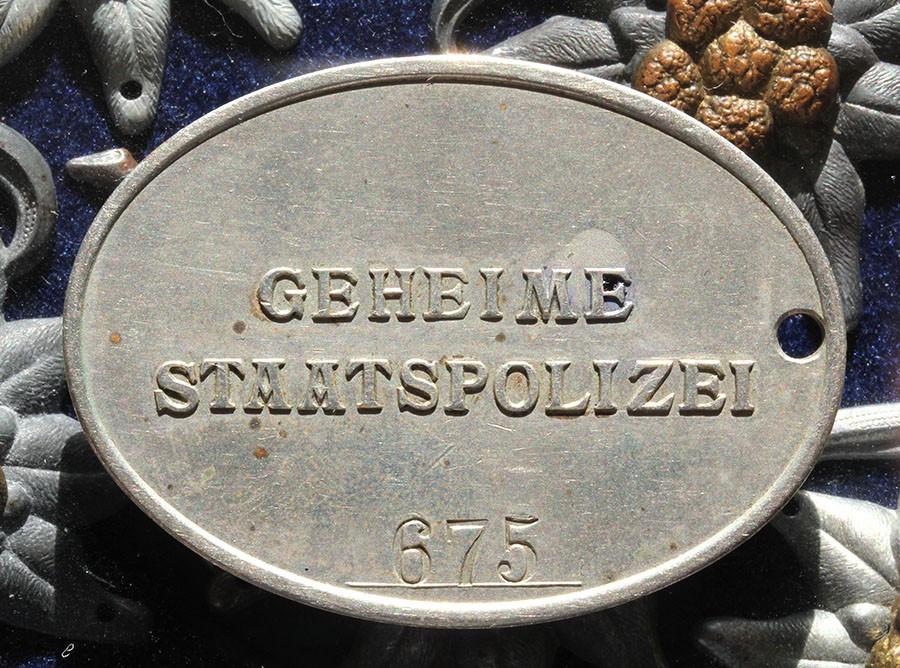 Plaque Gestapo  Image_18