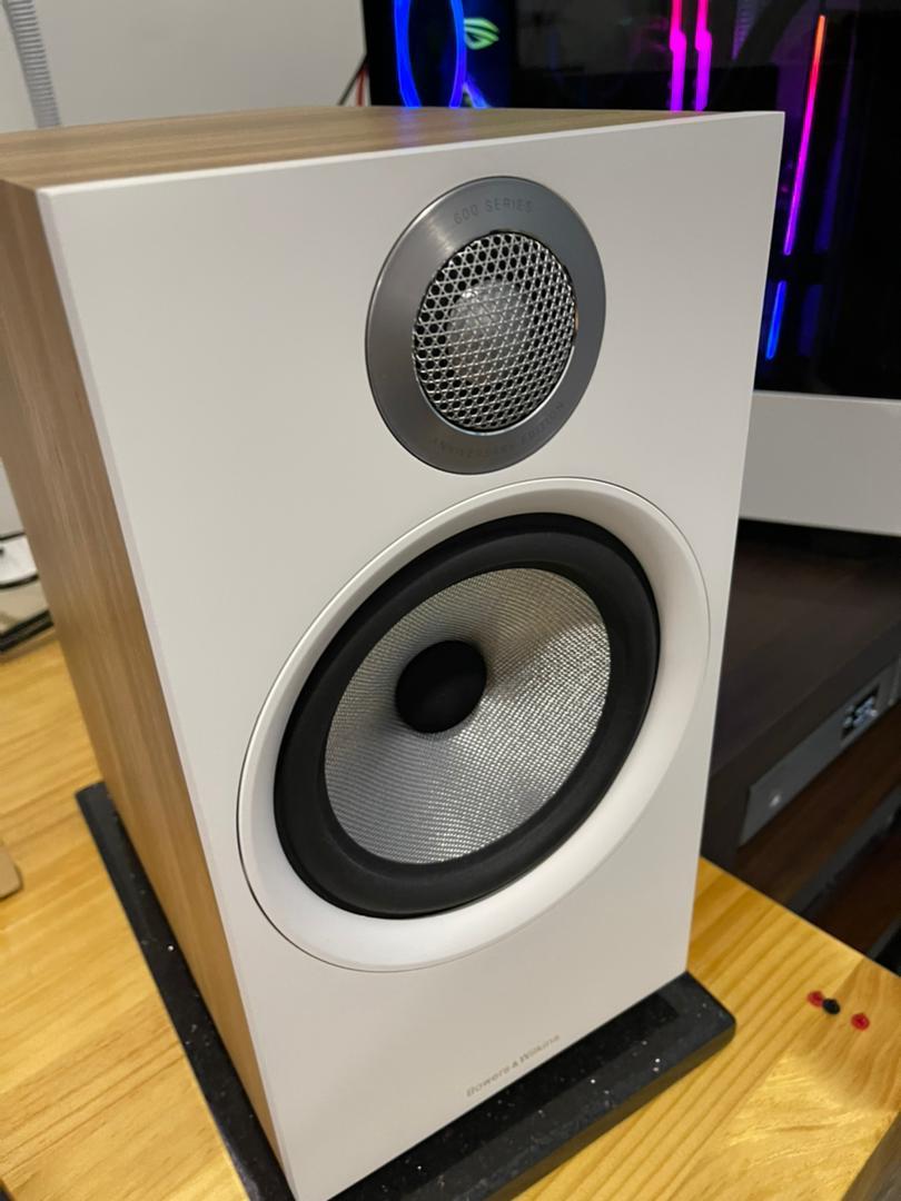 Cambridge Audio CXA81 + B & W 606 s2 Whatsa19