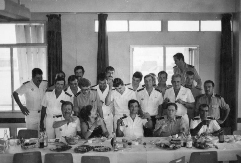 [Les traditions dans la Marine] LES POTS DE DÉBARQUEMENTS 16510