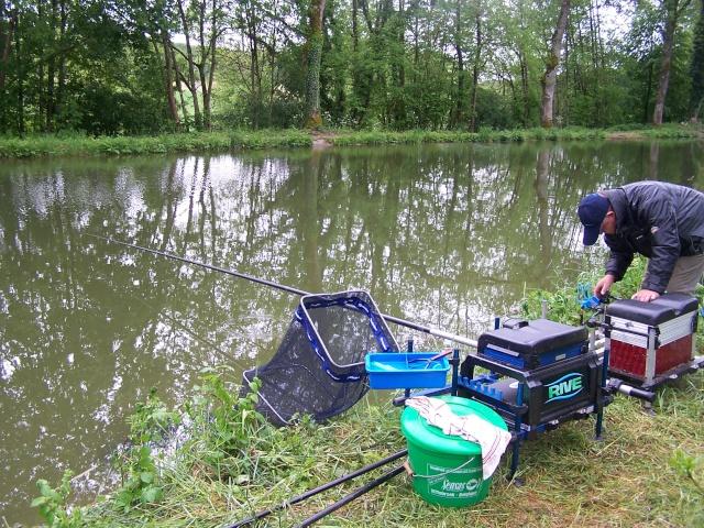 Partie de pêche sur canal de la Marne à la Saône (Riaucourt) Peche_10