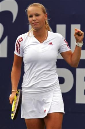 Caroline Wozniacki - 3 - Page 47 Caro1_11