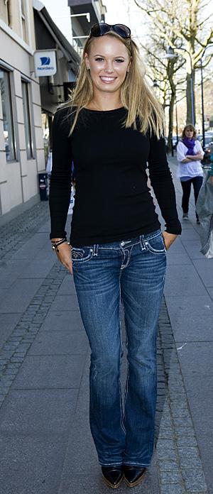 Caroline Wozniacki - 3 - Page 46 Caro2_11