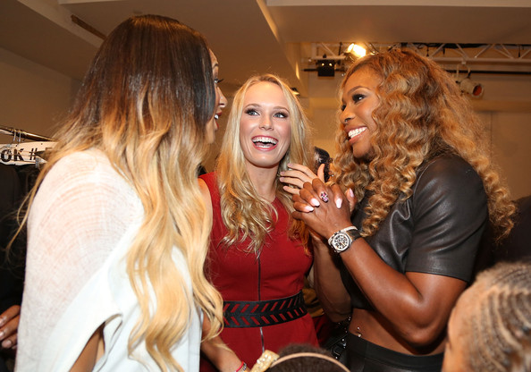 Venus & Serena Williams - 3 - Page 50 Carose10