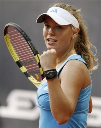 Caroline Wozniacki - 3 - Page 46 Carow410