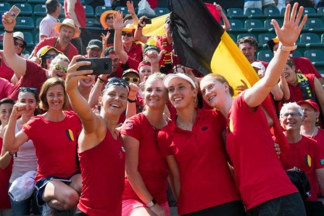 Alison Van Uytvanck - Page 19 Fedcup10