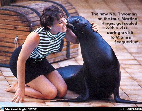 (Elle est à nouveau) Retraitée : Martina Hingis - Page 22 Martin32