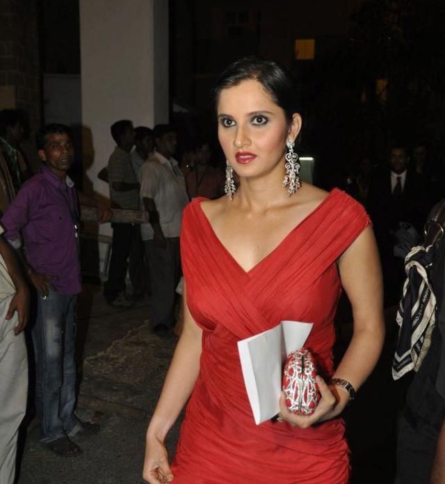 Sania Mirza - Page 15 Saniam10