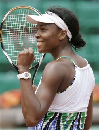 Venus & Serena Williams - 3 - Page 49 Venus410