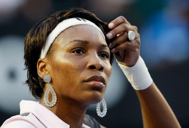Venus & Serena Williams - 3 - Page 49 Venus_11