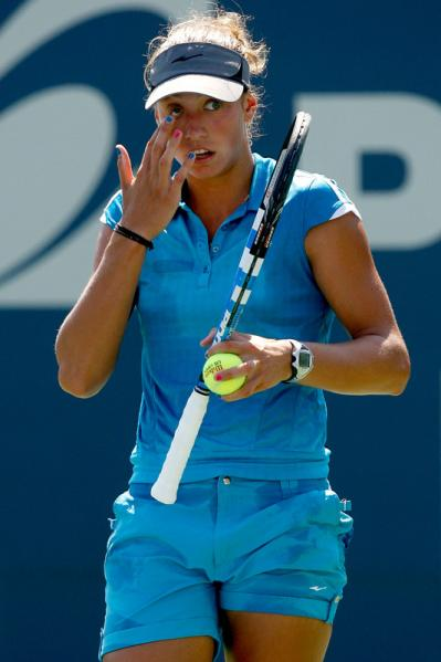 Yanina Wickmayer - 3 - Page 59 Wicky_11