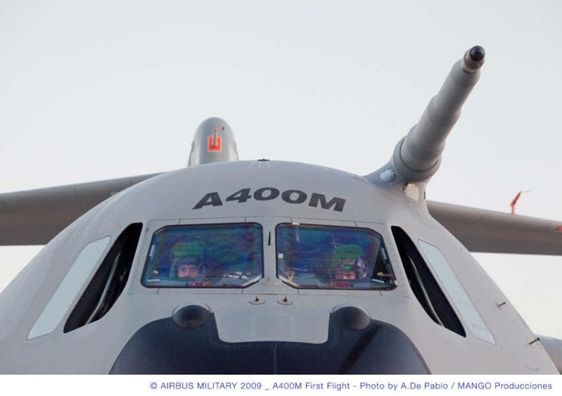 L'A400M fait son premier vol à Séville, il a volé plus de 3 heures...! Briefi10