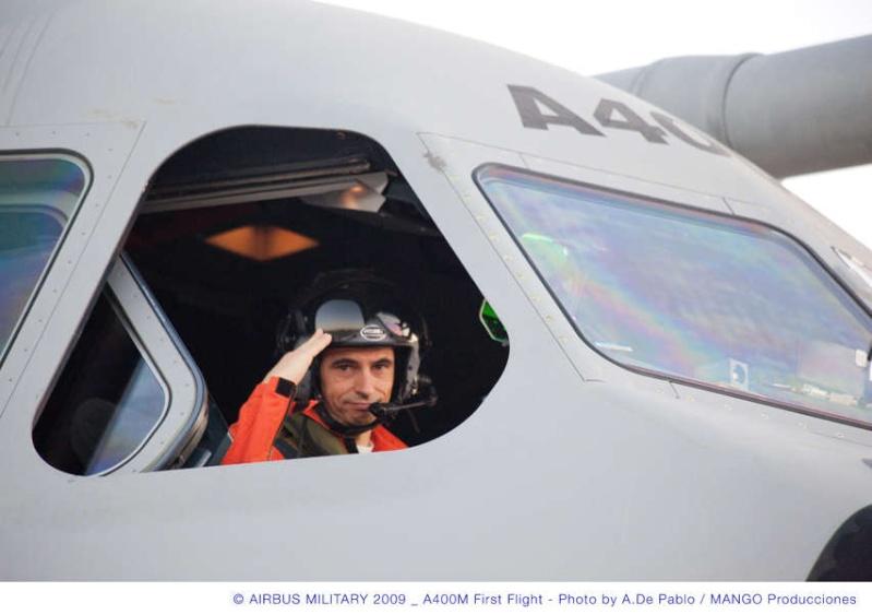 L'A400M fait son premier vol à Séville, il a volé plus de 3 heures...! Briefi11