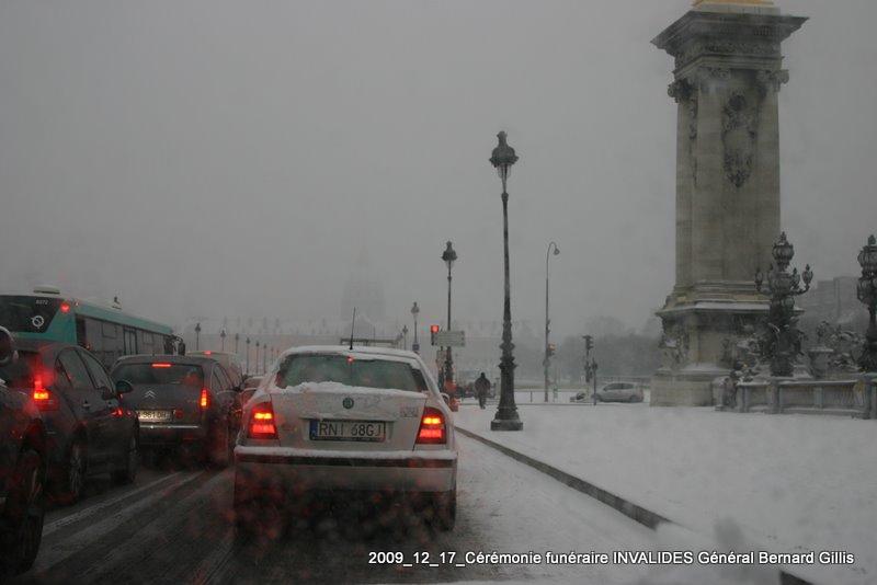 GILLIS Bernard GCA - INVALIDES 17 décembre 2009 - CRUELLE CIRCONSTANCE météo, le convoi mortuaire bloqué par la neige...reportage photo -  Img_5411