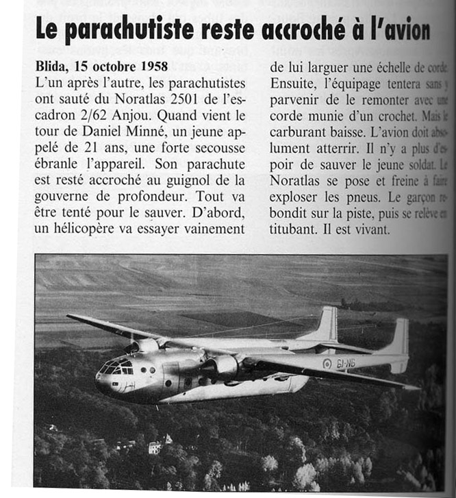 Parachutiste accroché à un Noratlas - Blida Algérie le 15octobre 1958 Noratl12
