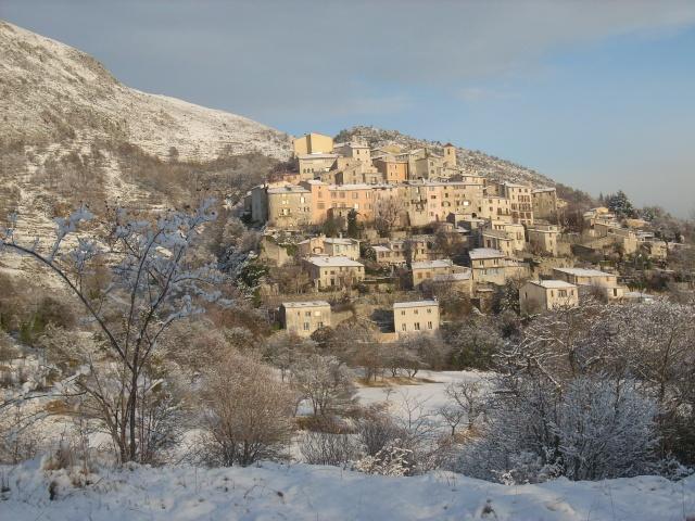 notre village sous la neige. Puy_de10
