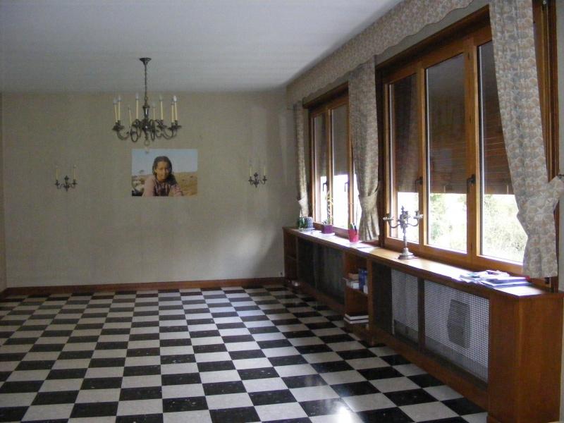 Le salon : boiseries, carrelage damier et autres contraintes... Dscf3115