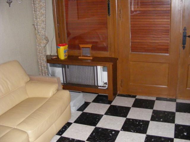 Le salon : boiseries, carrelage damier et autres contraintes... Dscf3116