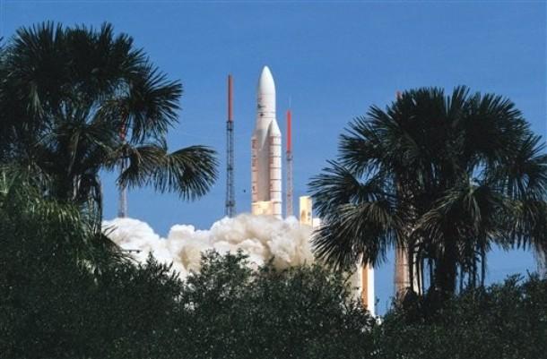 Ariane 5GS V193 / Hélios 2B (18/12/2009) - Page 7 610x10