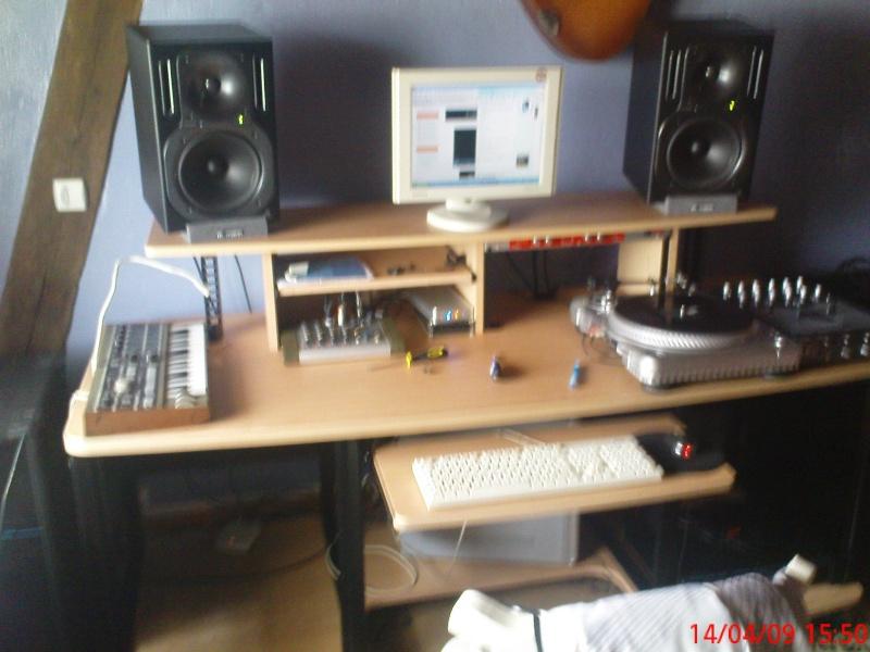 Photos de votre home studio - Page 2 Dsc00611