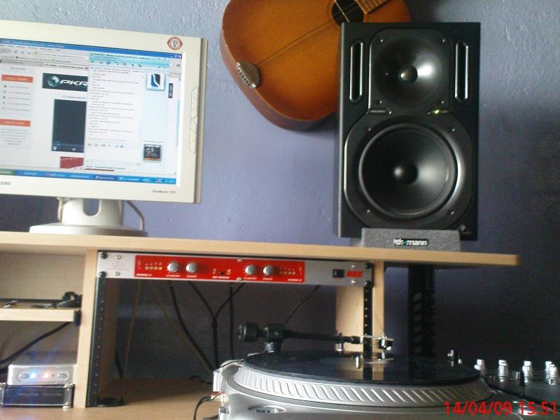 Photos de votre home studio - Page 2 Dsc00612