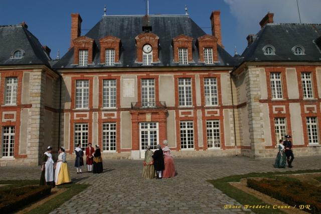 Visite du Comte chez le Baron de Breteuil - Page 3 Dsc_9210