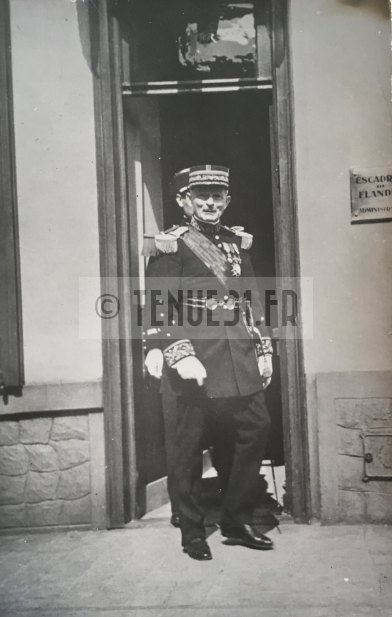 ceinturon du général WEYGAND AJOUT D'UNE PHOTO Gzonzo10