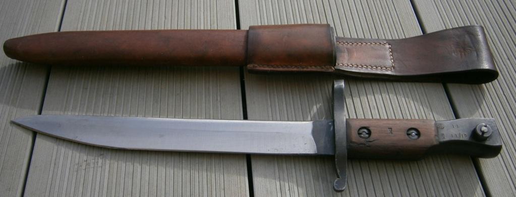 baionnette canadienne modèle 1910 et petit couteau anglais P2210010