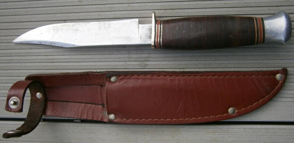 baionnette canadienne modèle 1910 et petit couteau anglais P2210013