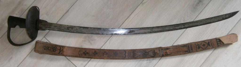 sabre espagnol ? d'abordage ou de cavalerie ? avec devise P6150010