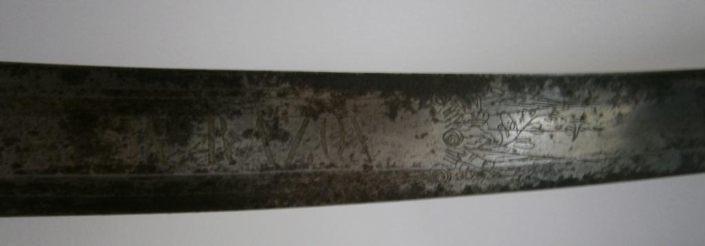 sabre espagnol ? d'abordage ou de cavalerie ? avec devise P6150019