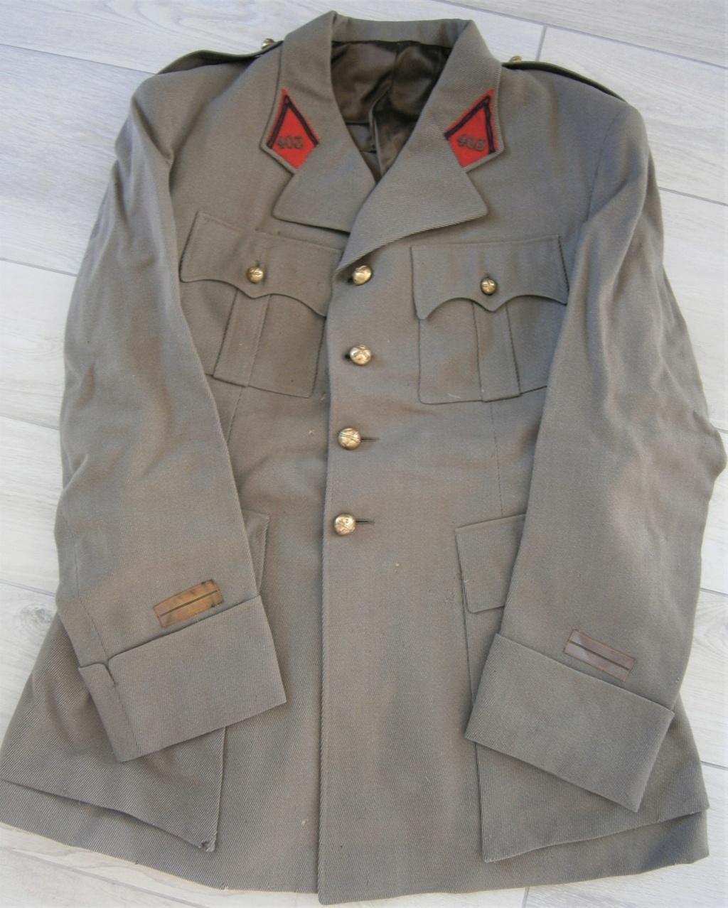 uniforme lieutenant 403 régiment d'artillerie  ww2 ? P7050012