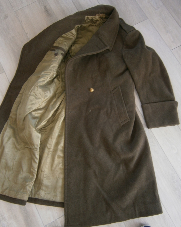 capote ou manteau français et bonnets de police époque ? P7050040