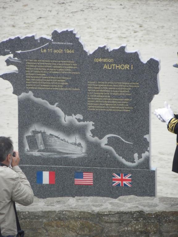 Inauguration ce matin d'une stèle à SAINT MICHEL EN GREVE 22 P8100021