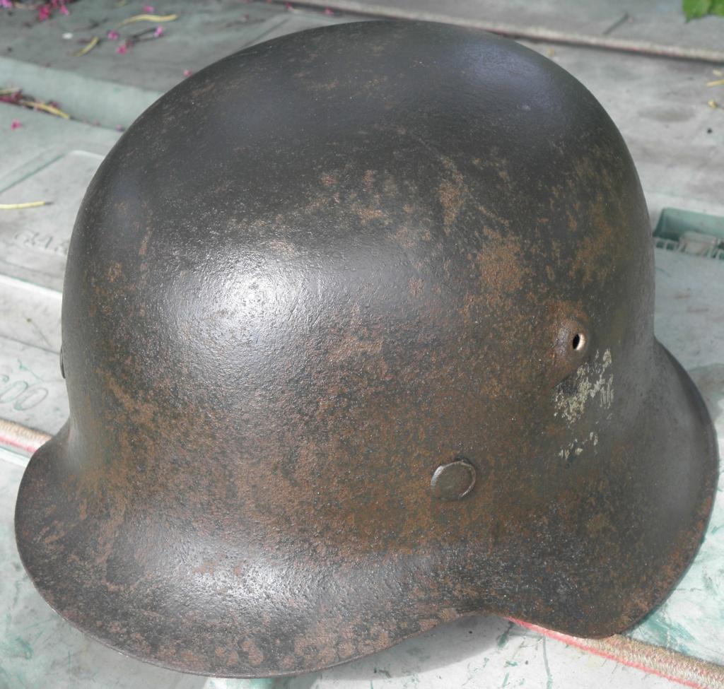 casque allemand ww2 direct du grenier dans le finistère nord P8110011
