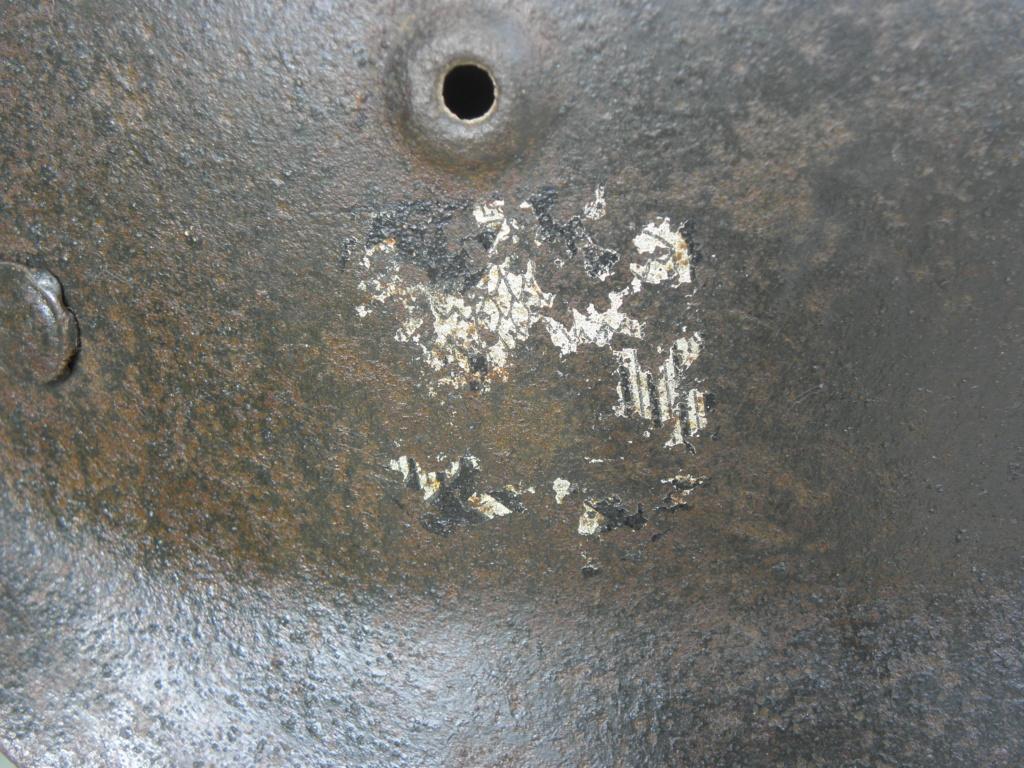 casque allemand ww2 direct du grenier dans le finistère nord P8110012