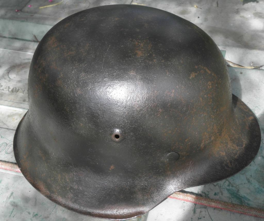 casque allemand ww2 direct du grenier dans le finistère nord P8110014