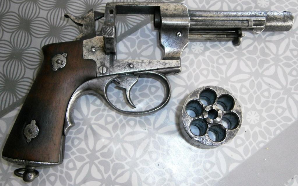 revolver LEFAUCHEUX 1870 ajout photos P8110022