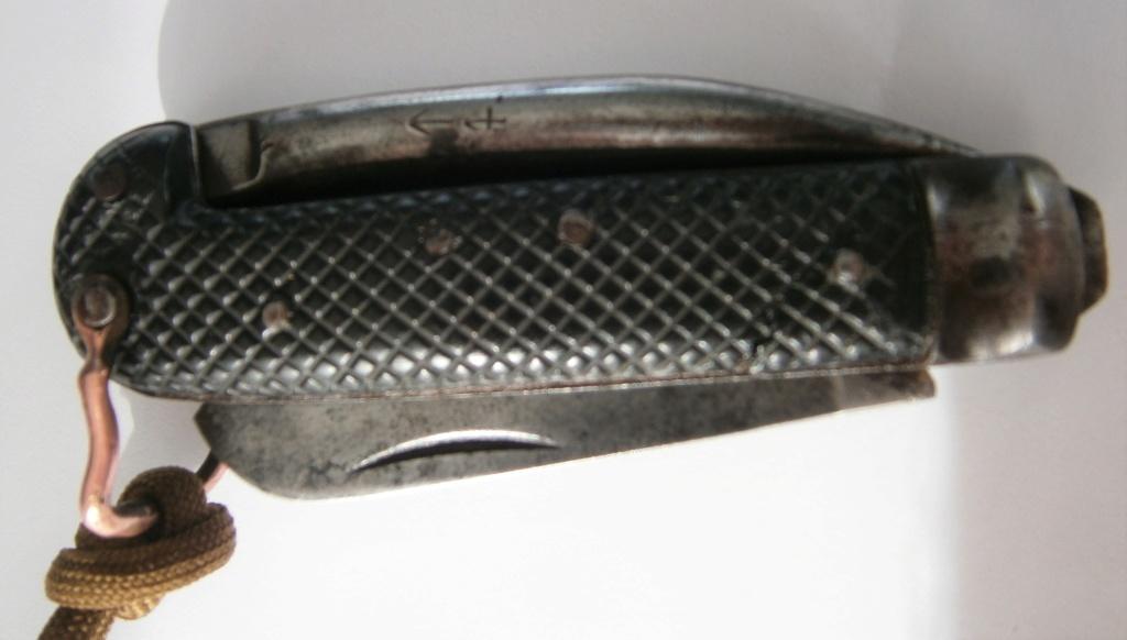 """Les """"jack knives"""", couteaux pliants du Tommy - Page 2 P9220010"""