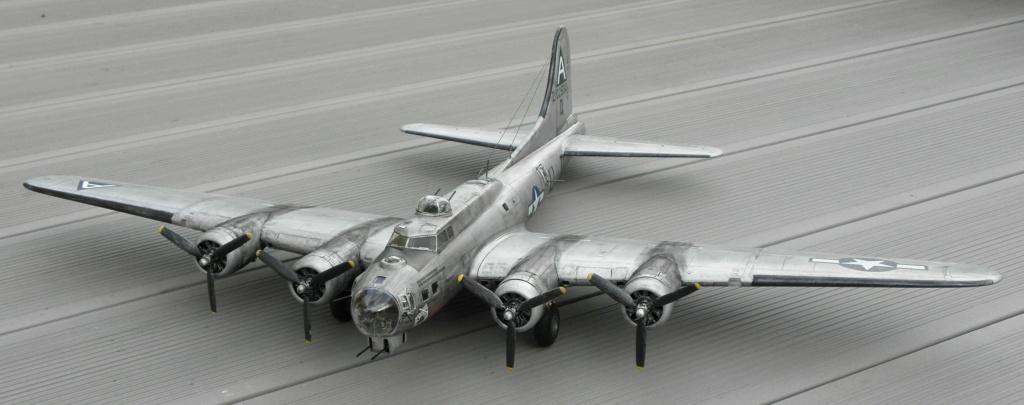 b-17 au 1/48 Pb190010