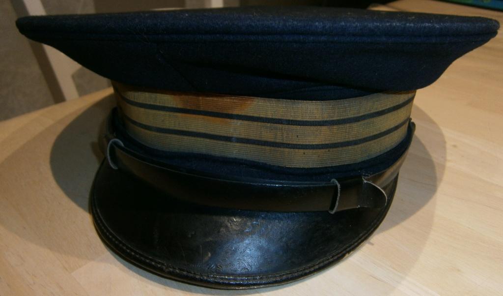 demande de renseignements concernant une rentrée d'uniforme de la marine Pc110010